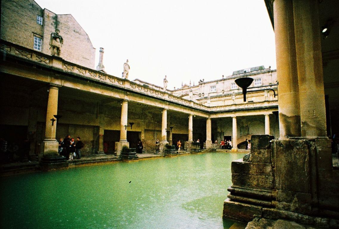 Seatrip | Bath | Provia (c) Lomoherz