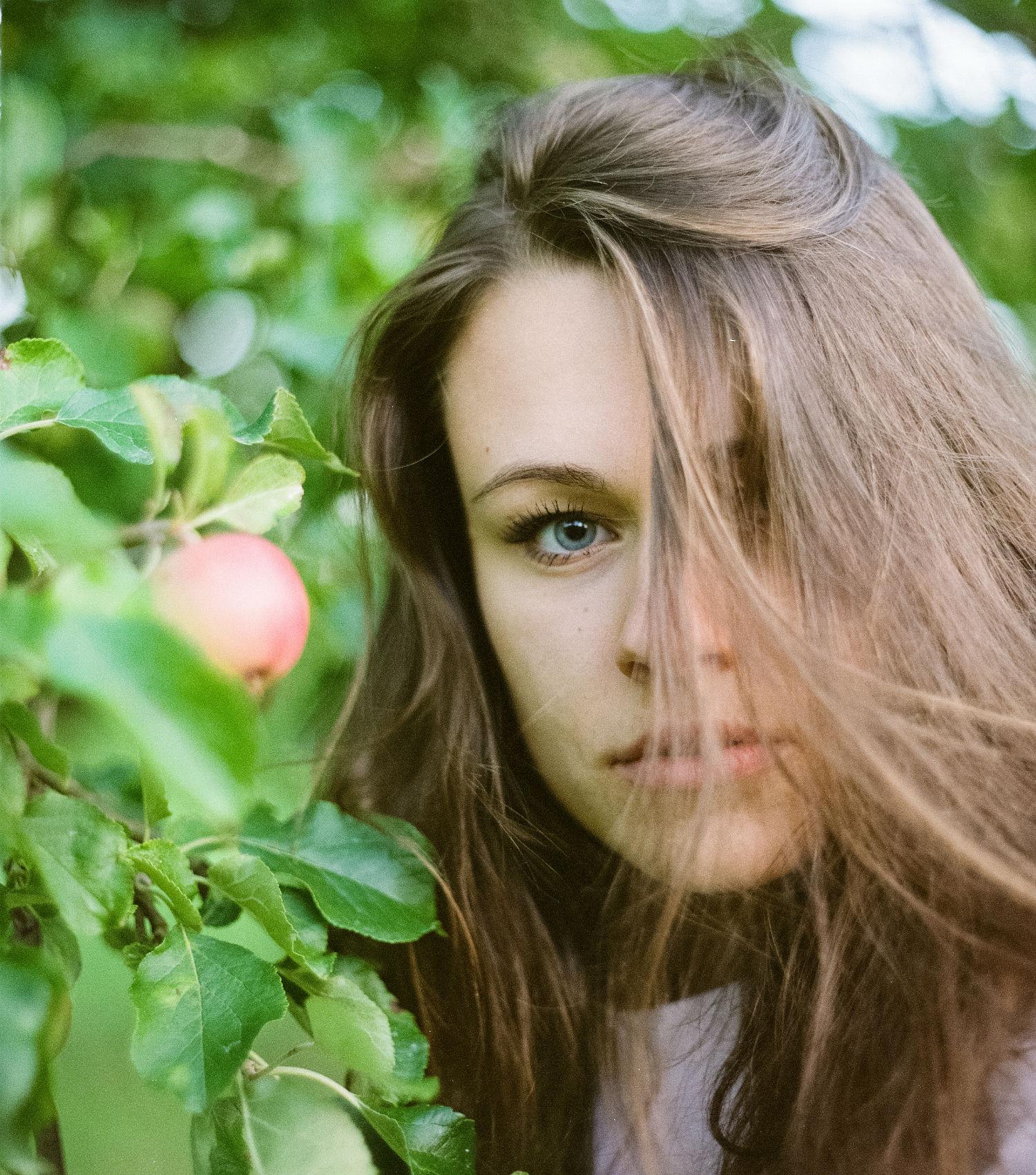 Julimaand - Portrait Juli mit Melanie Model (c) Lomoherz